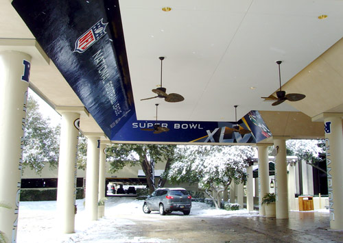 Packers Hotel Entrance Murals